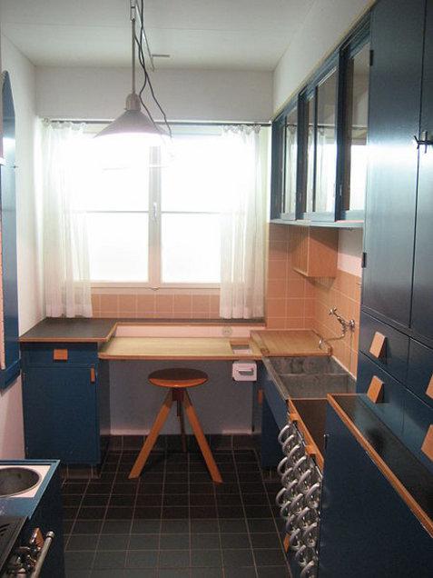 retrospect the frankfurt kitchen apartments i like blog. Black Bedroom Furniture Sets. Home Design Ideas