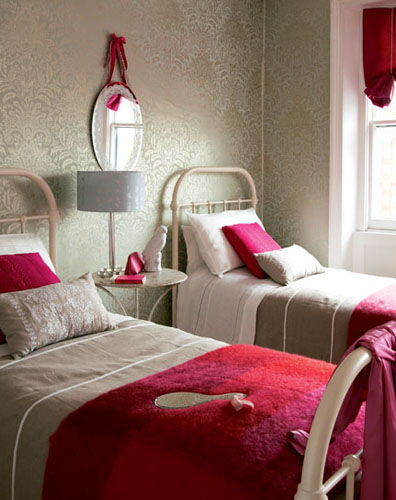 this cool red and white bedroom so sweet from 8rd