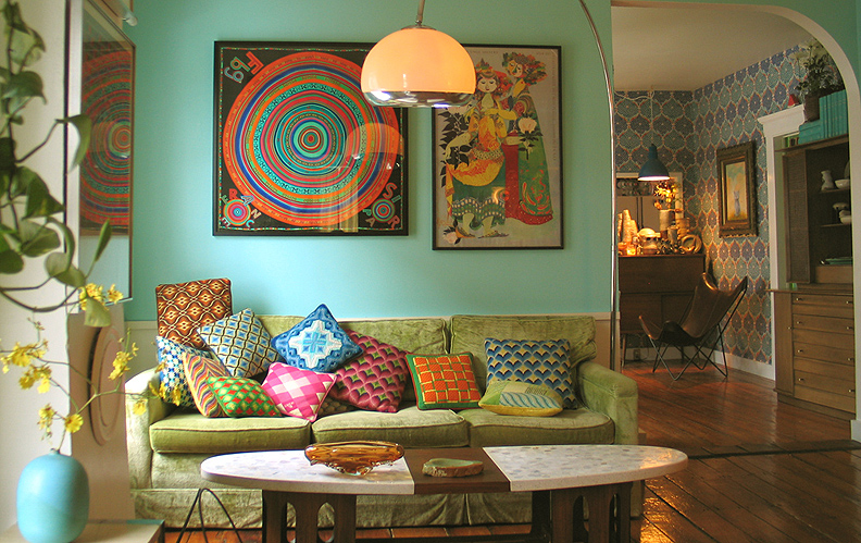 http://apartmentsilike.files.wordpress.com/2011/07/living-room-vintage-hermes-scarf.jpg