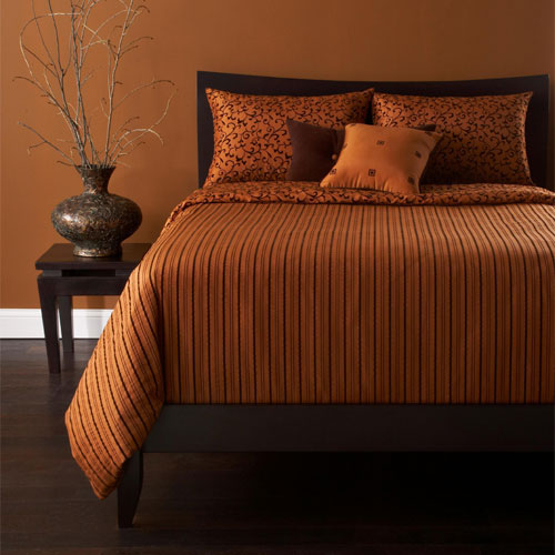 Burnt orange decor apartments i like blog for Burnt orange bedroom ideas