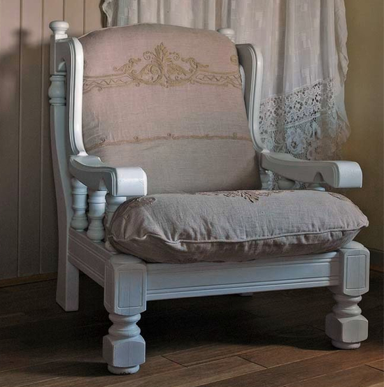 Shabby Chic Sofas And Chairs : Uncategorized  Lorraine, Your Realtor