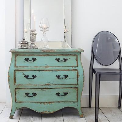 shabby chic furniture finishing apartments i like blog. Black Bedroom Furniture Sets. Home Design Ideas