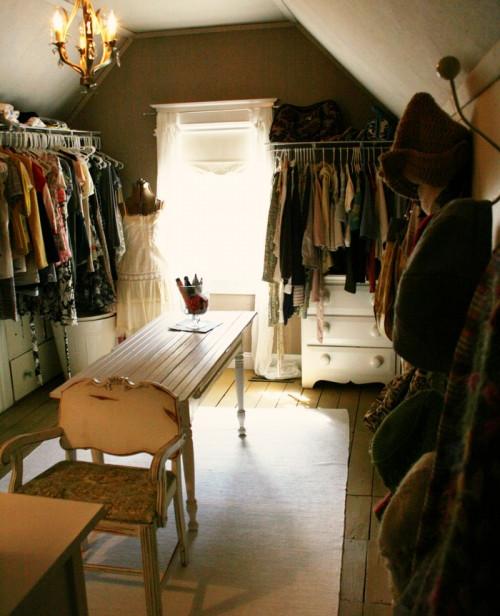 the dressing room closet apartments i like blog. Black Bedroom Furniture Sets. Home Design Ideas