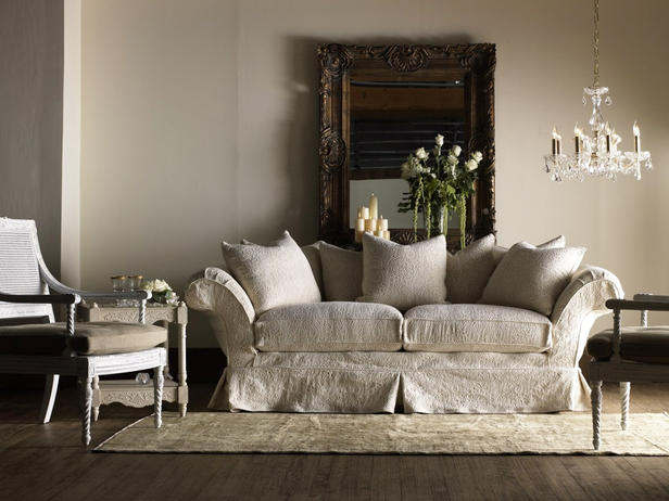 shabby chic sofas for your stroudsburg apartment apartments i like blog. Black Bedroom Furniture Sets. Home Design Ideas