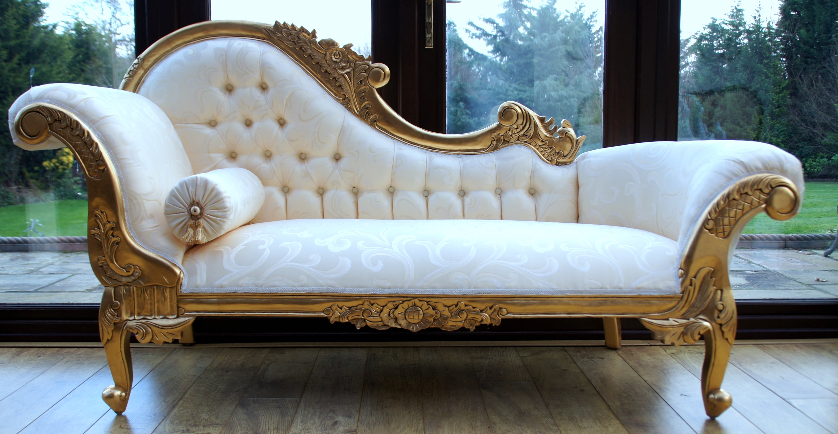 White hampshire chaise with gilded gold frame via hampshire barn