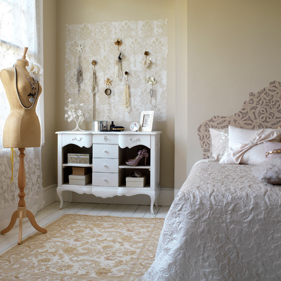 White Retro Bedroom Furniture