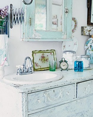 Bathroom design ideas old dressers shabby chic for French shabby chic bathroom ideas