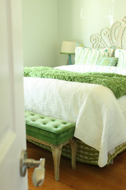green-bedroom-design