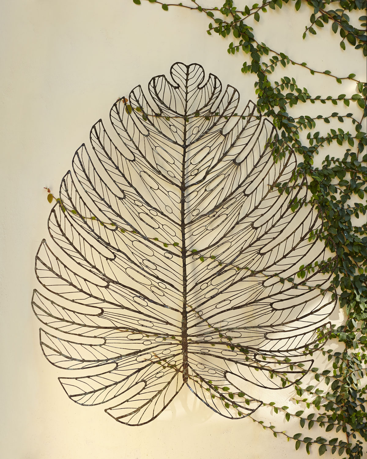 Leaf decor apartments i like blog for Leaf wall decor