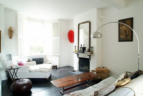 Room of the week apartments i like blog page 2 - Dark floor white furniture ...