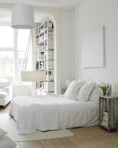 White bedrooms apartments i like blog for Pretty small bedrooms