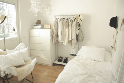 small white rooms | Apartments i Like blog