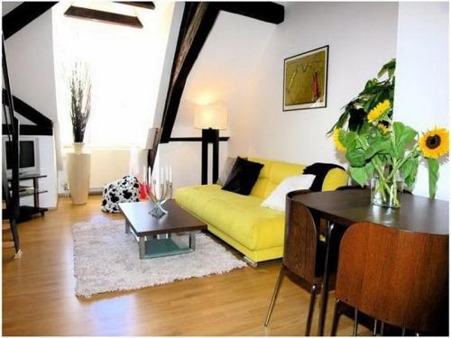 yellow decor 5